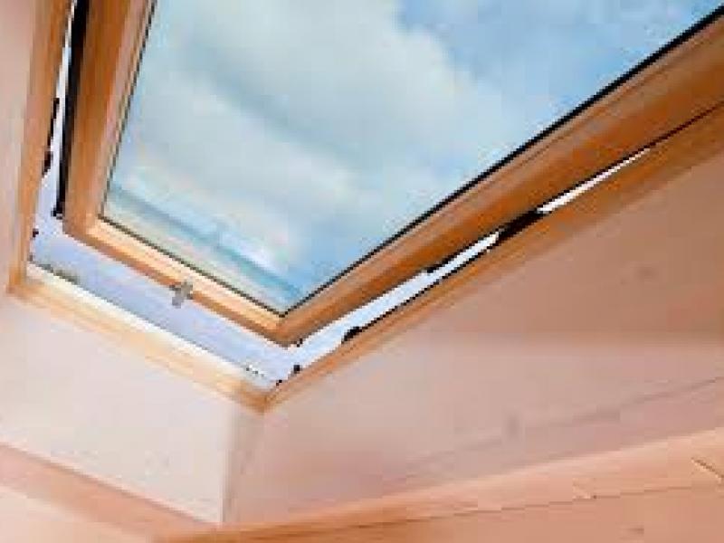 Finestre da tetto a padova vendita e assistenza for Finestre su misura bricoman