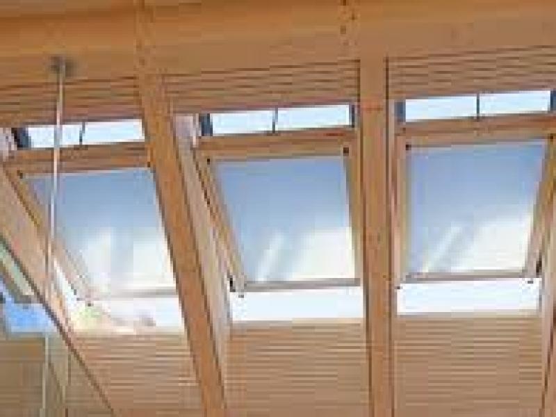 Finestre a soffitto - Quanto costa una finestra in pvc ...