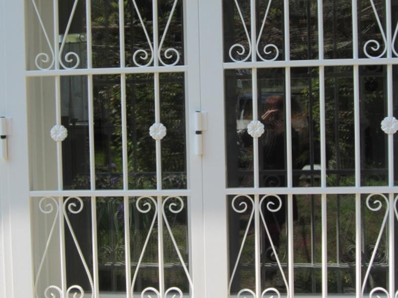 Inferriate grate di sicurezza e cancelletti a padova - Disegni di grate per finestre ...